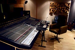 Vintage Recording Console - RoadtoRecord.net - Photo © by Duncan Rowe